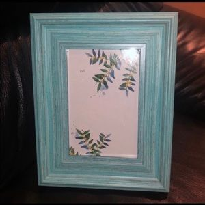 4/$20 Teal Country 4x6 frame very cute.